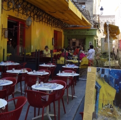 VanGoghs_YellowCafe_inArles